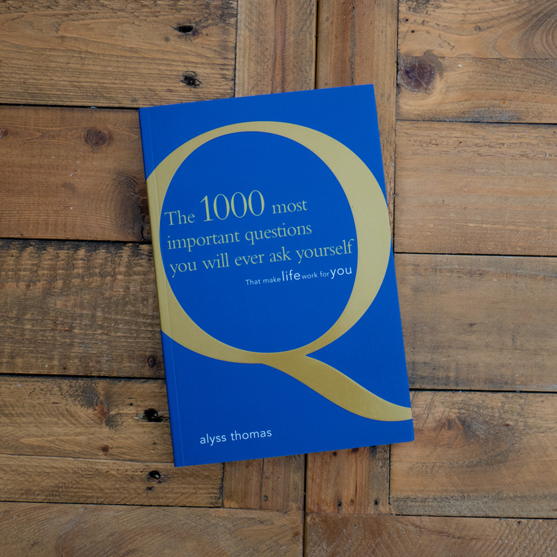1000 Questions by Alyss Thomas Book